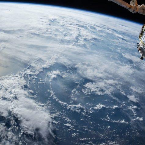 ¿Bezos y Musk nos conducen a una nueva era espacial o sólo a una apropiación del espacio por parte de Estados Unidos?
