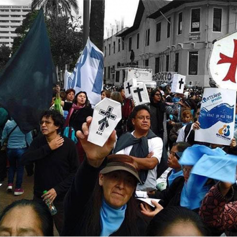 Protesta en la Asamblea Nacional contra el aborto por violación en la reforma del Código Orgánico Penal, Quito, septiembre de 2019.